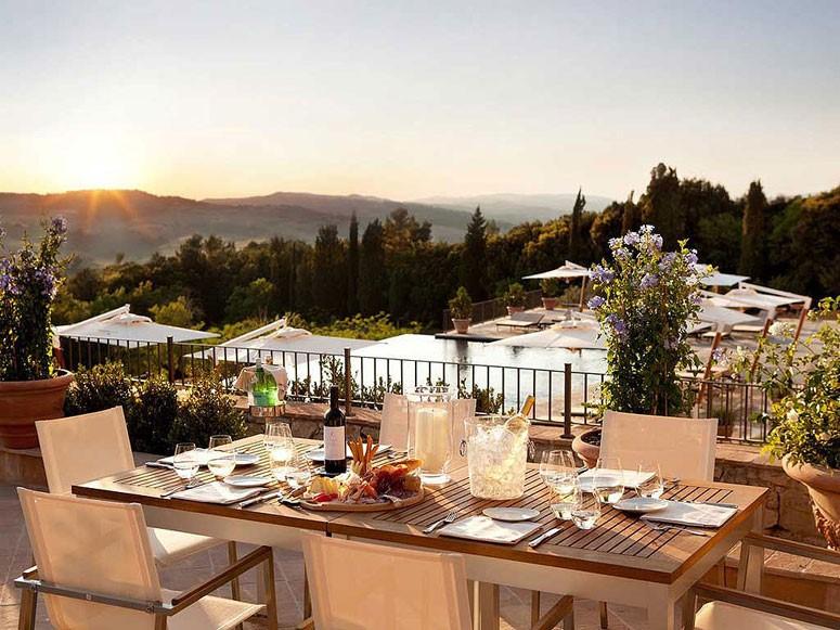 breakfast in san gimignano