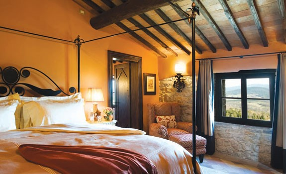 room for weddings in san gimignano