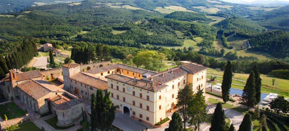 view wedding resort in san gimignano