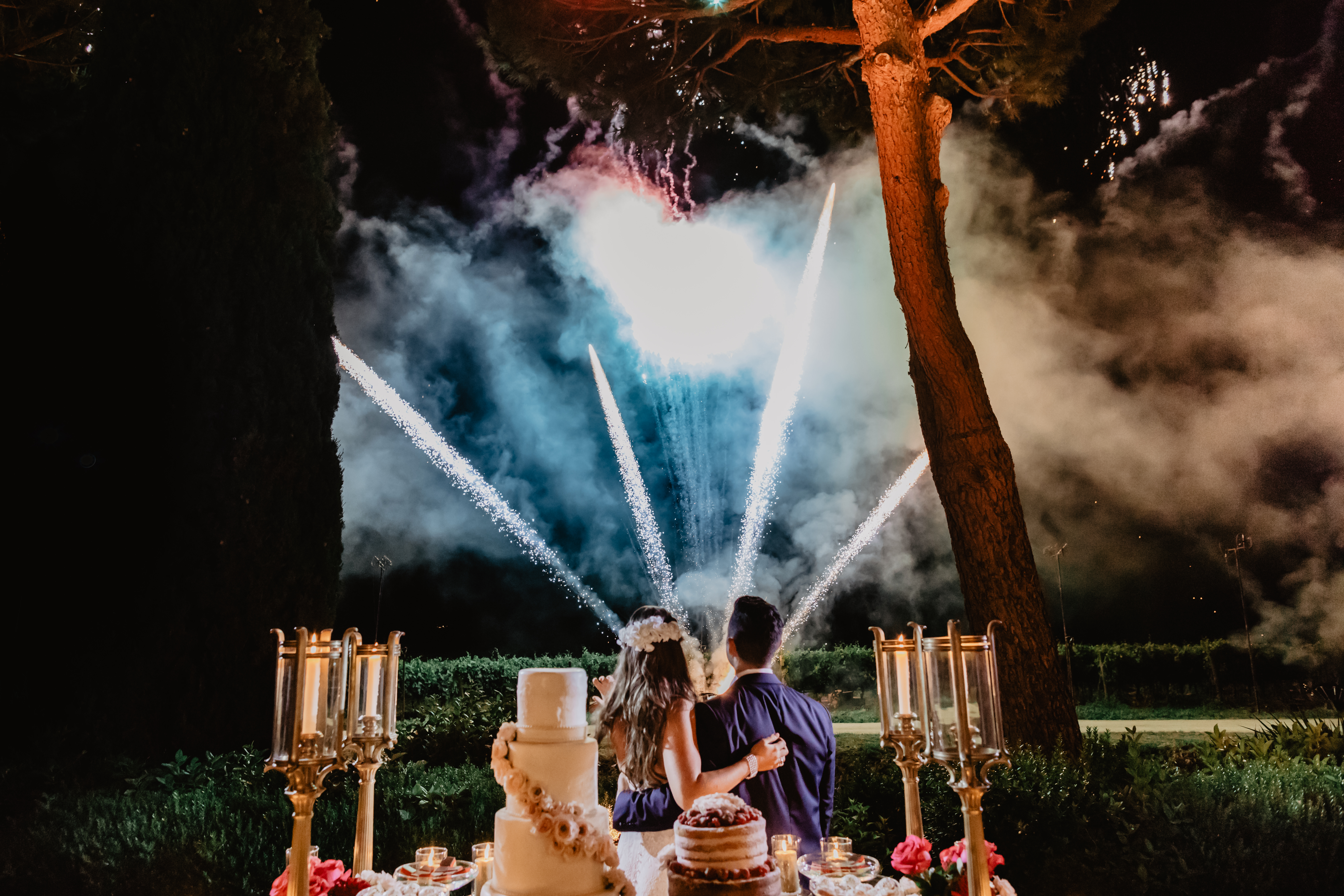 fireworks show during the wedding in a historic villa in the Tuscan hills