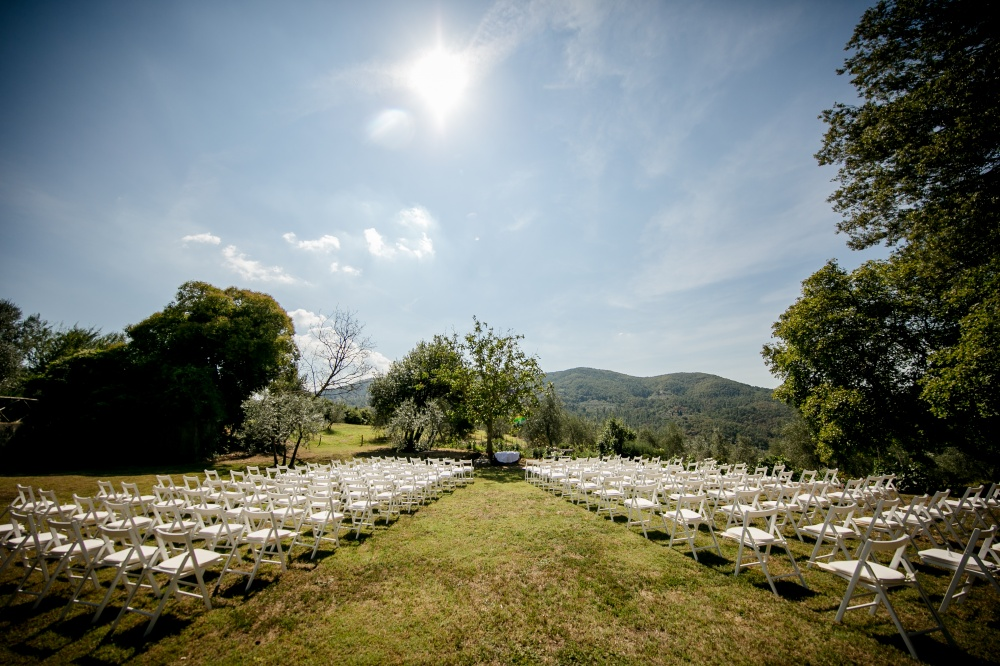symbolic wedding in a garden near florence