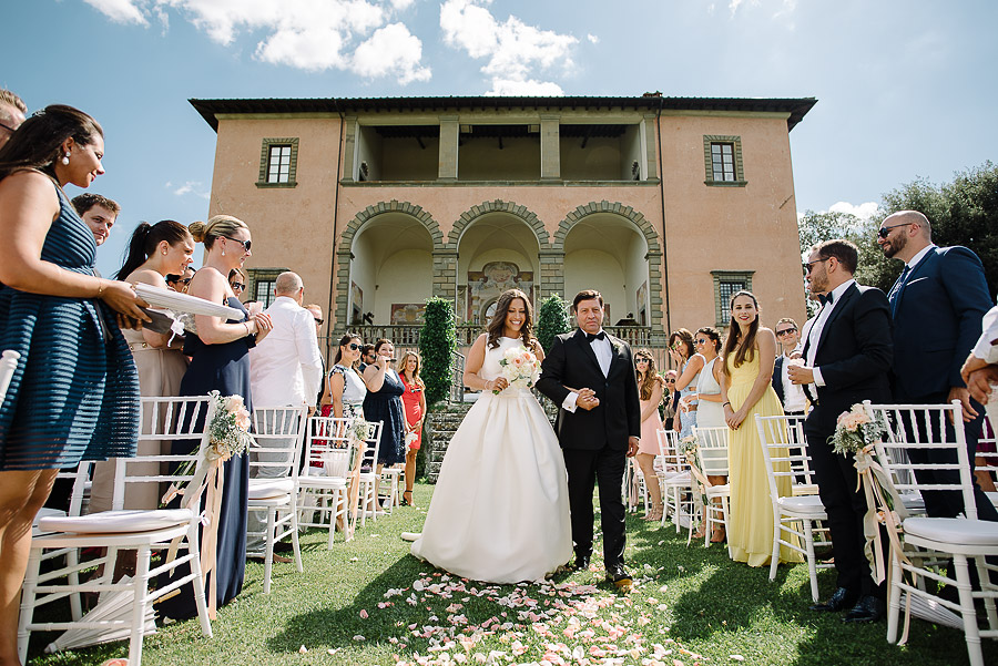 symbolic wedding in a villa florence
