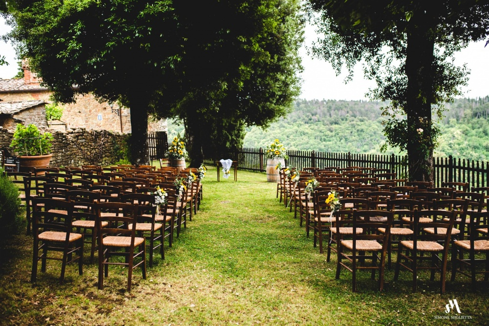 symbolic weddings in tuscany garden