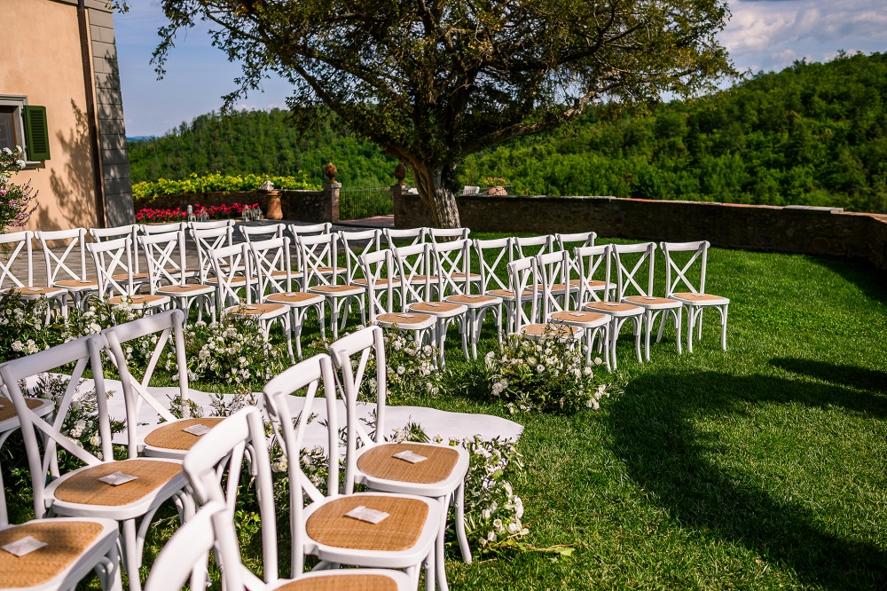 symbolic weddings in tuscany white chairs