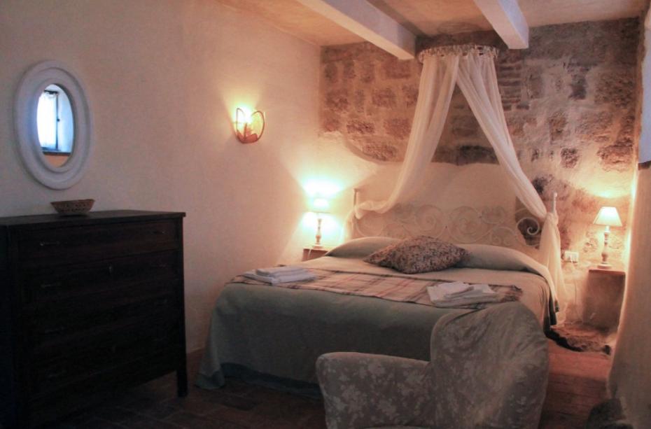 tiny wedding hamlet with rooms