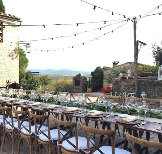 wedding dinner in a hamlet in tuscany