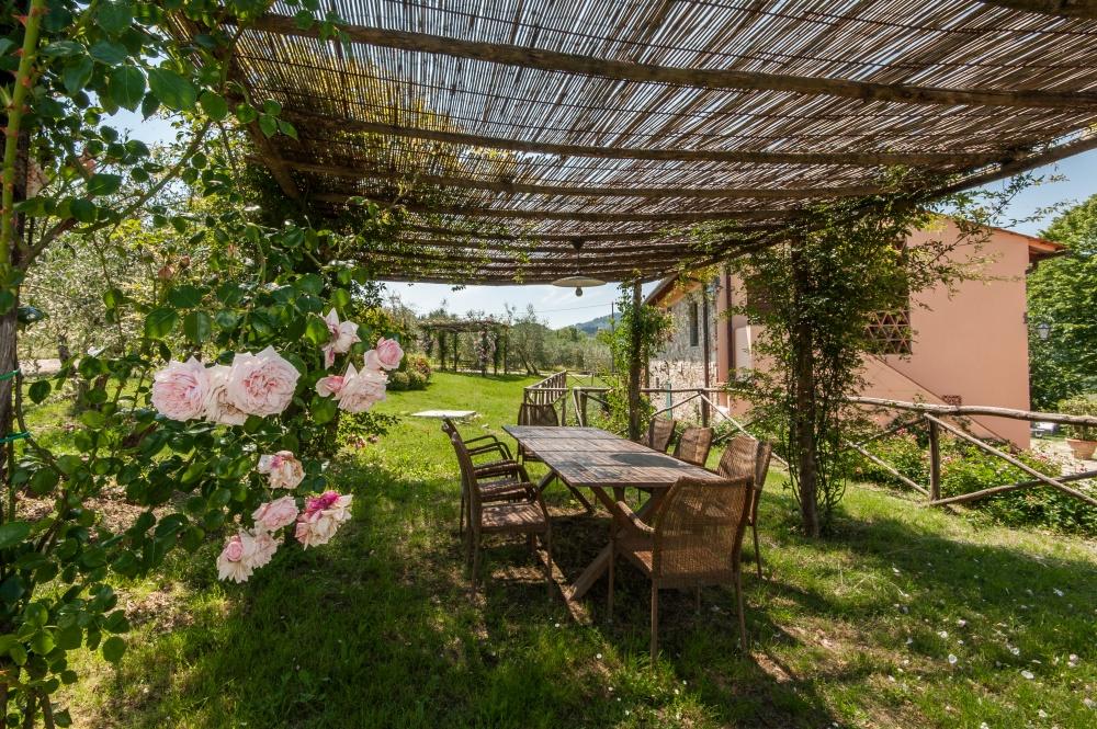 garden for weddings in tuscany