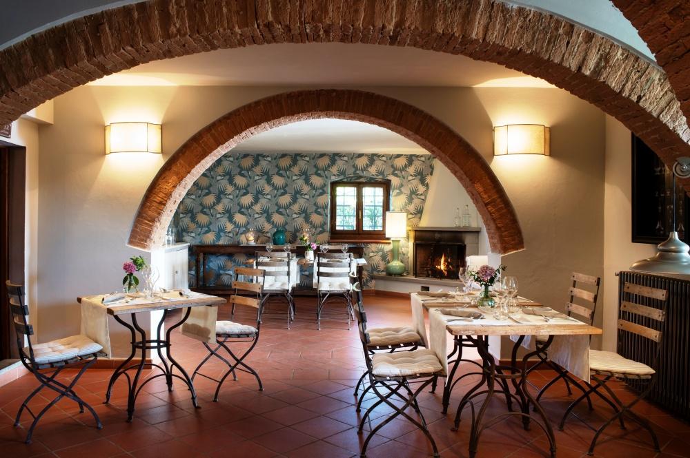 restaurant in a tuscan farmhouse