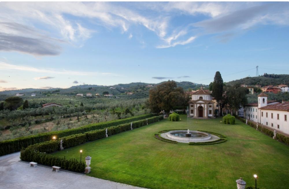 tuscan wedding villa with garden