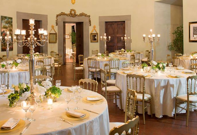 tuscan wedding dinner ina  villa