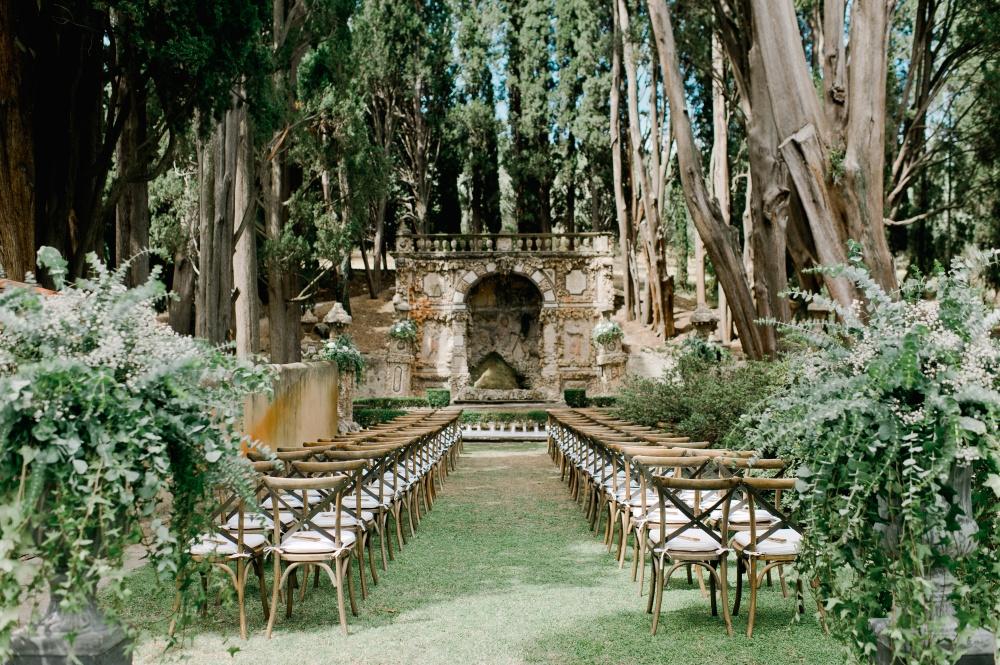 tuscan wedding ceremony in villa