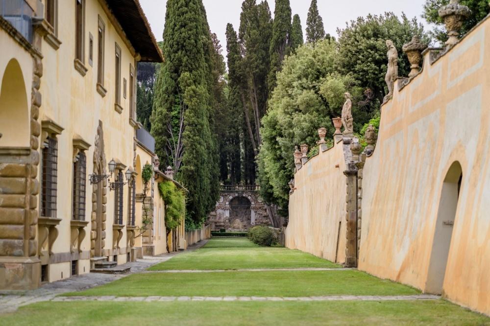 garden tuscan wedding villa