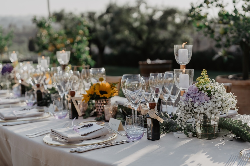 tuscany vibes country wedding table setting decoration