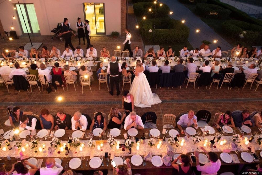 wedding dinner in a villa in tuscany