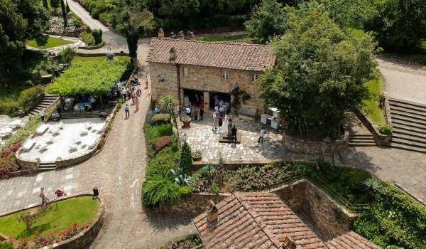 tuscany wedding hamlet aerial square