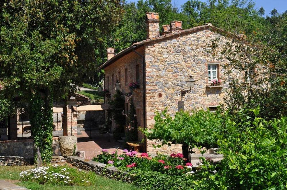 tuscany wedding apartments hamlet