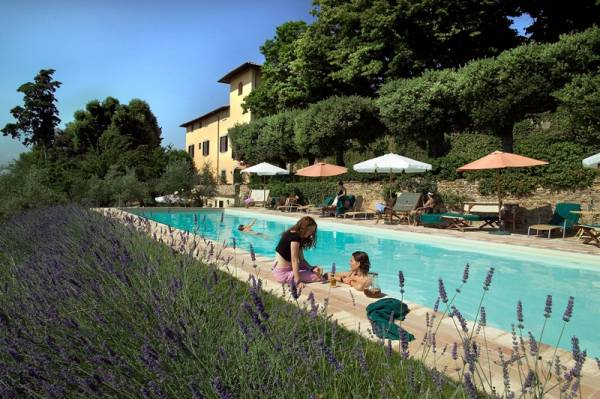 pool area for wedding and relax in a tuscany villa