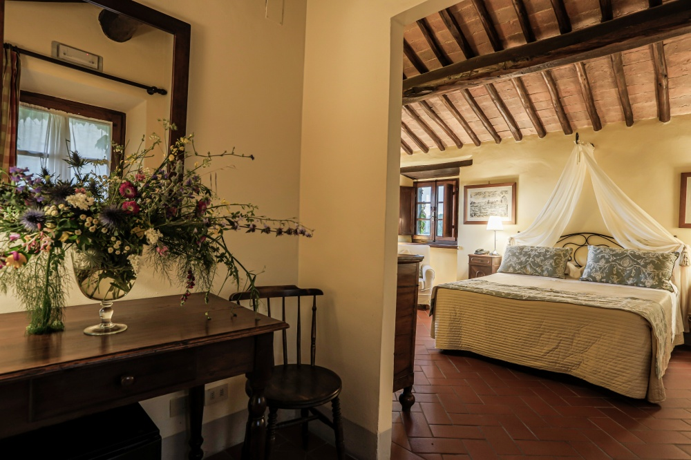 room in a villa for wedding in siena