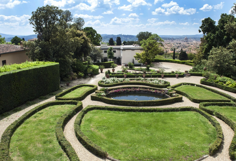 garden in a villa with view in florence