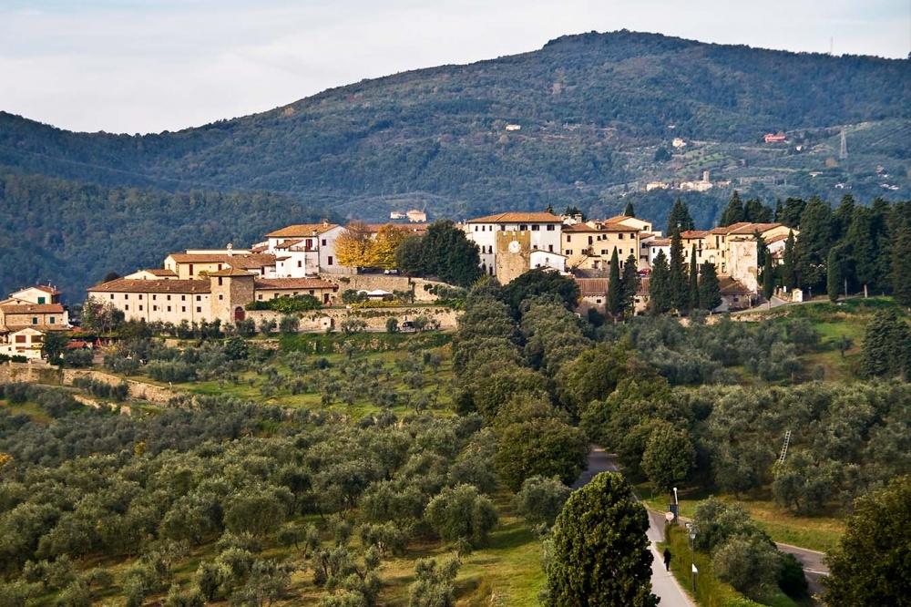 villa medicea in tuscany with borgo walking distance