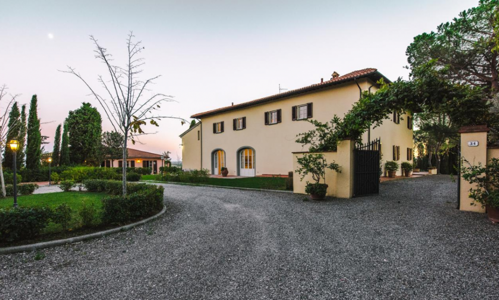 entrance of a villa for wedding receptions and events on the tuscan hills