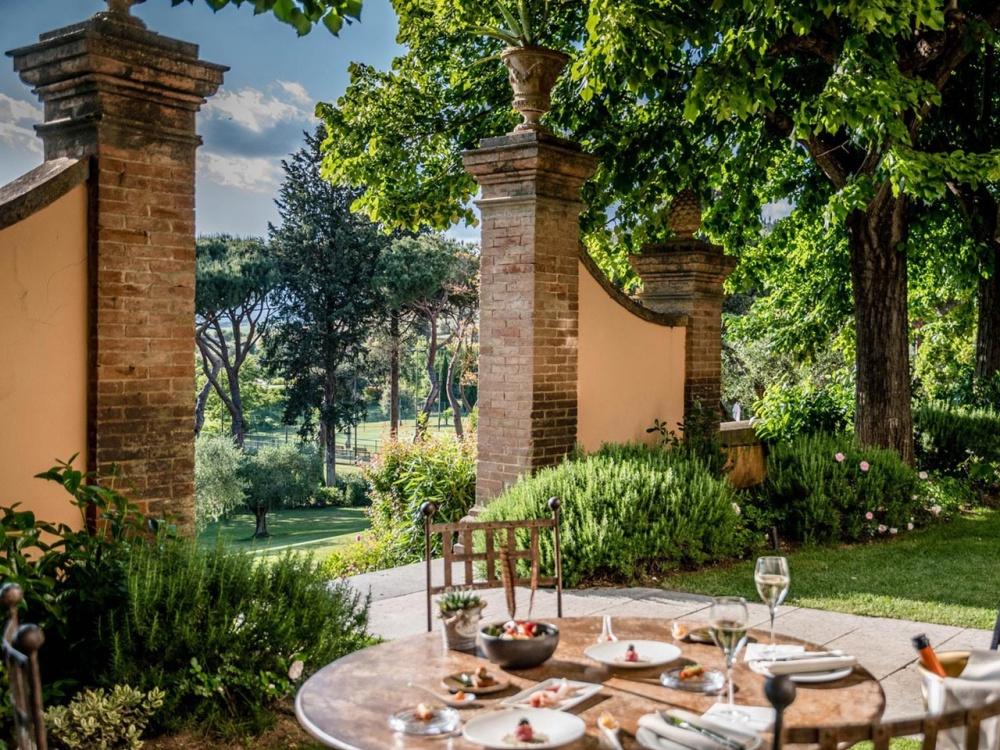 wedding villa in tuscany breakfast service