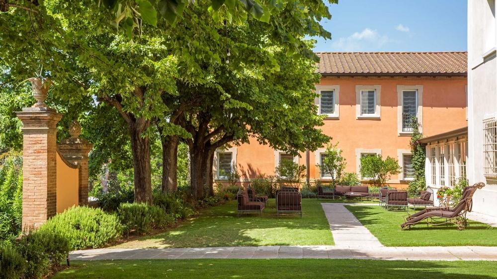 wedding villa in tuscany with garden