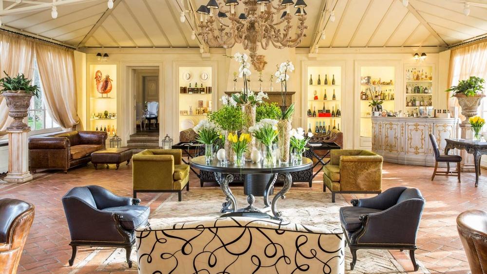 wedding villa in tuscany with lobby