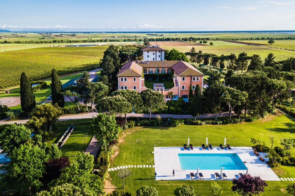 property view of a wedding villa in tuscany