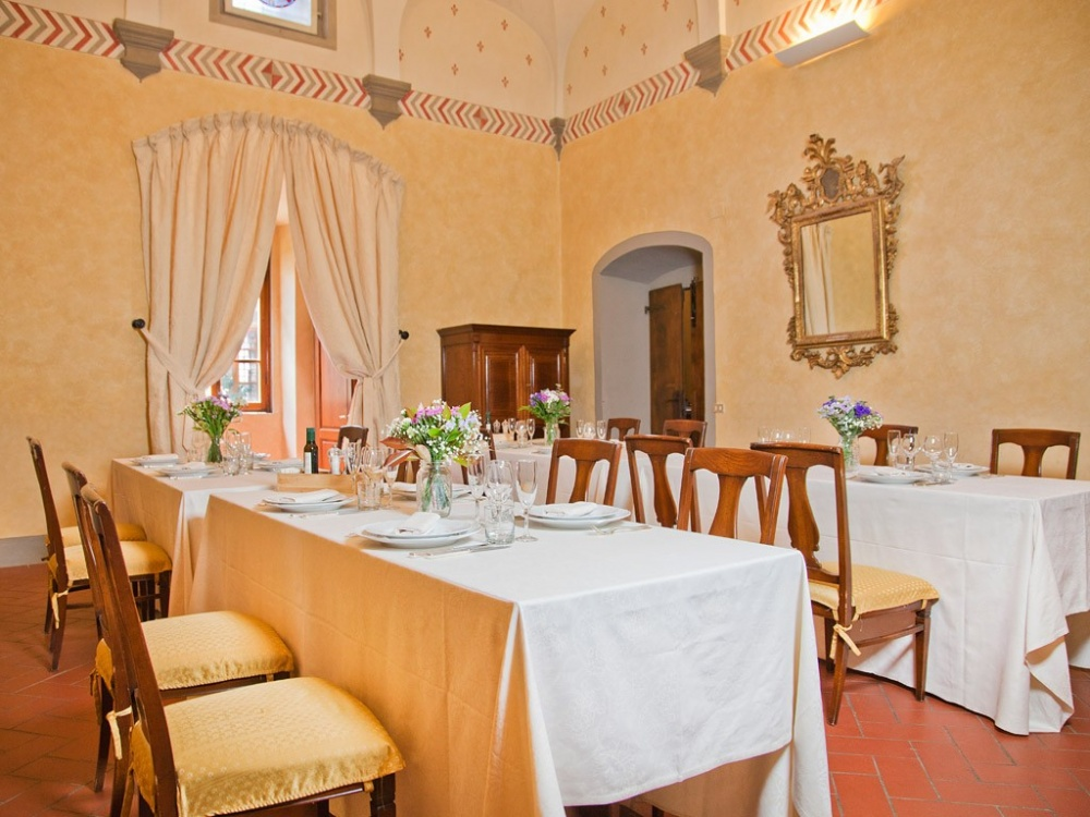 wedding castle with restaurant in chianti tuscany