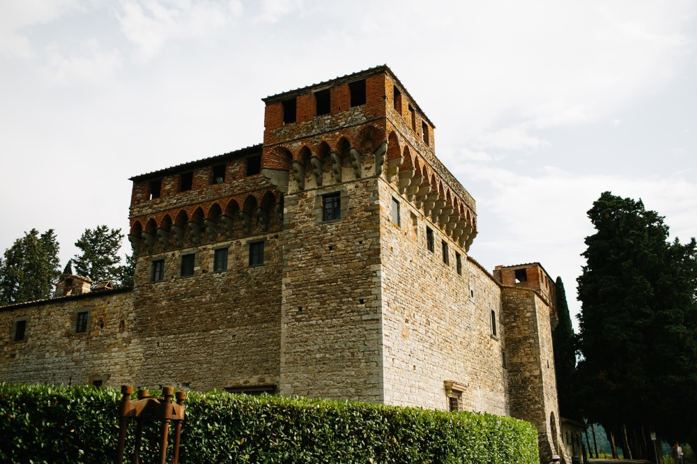side view of a wedding castle in Florence