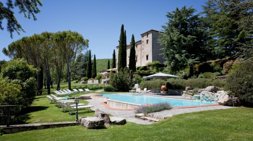 pool garden in a wedding castle in siena