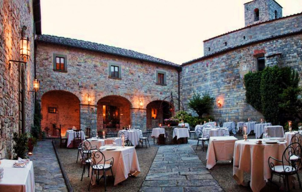 wedding castle in siena tuscany
