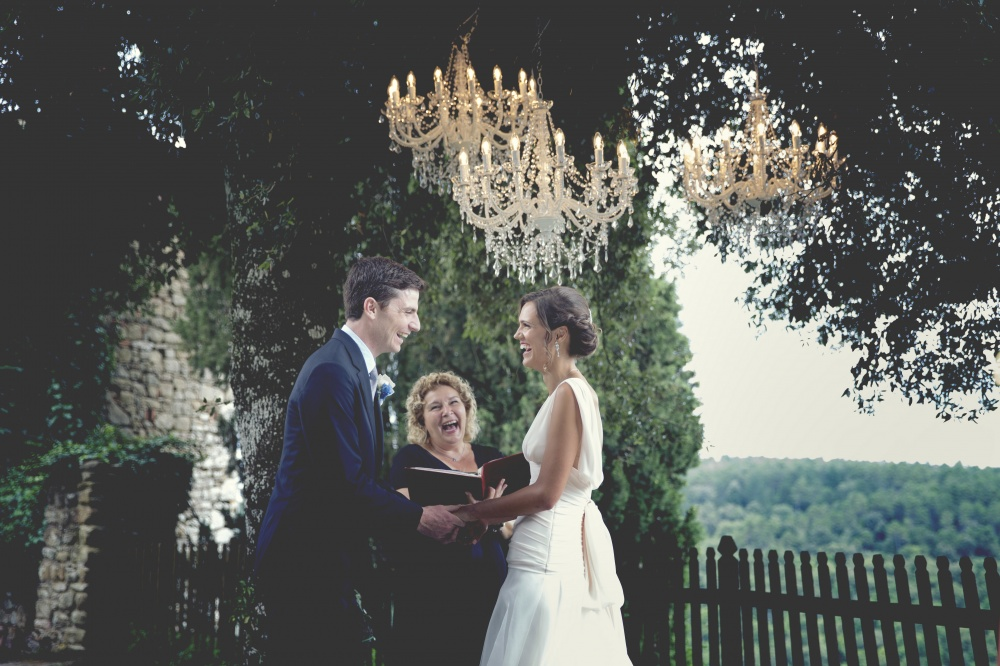 weddinng with chandeliers ina castle in tuscany