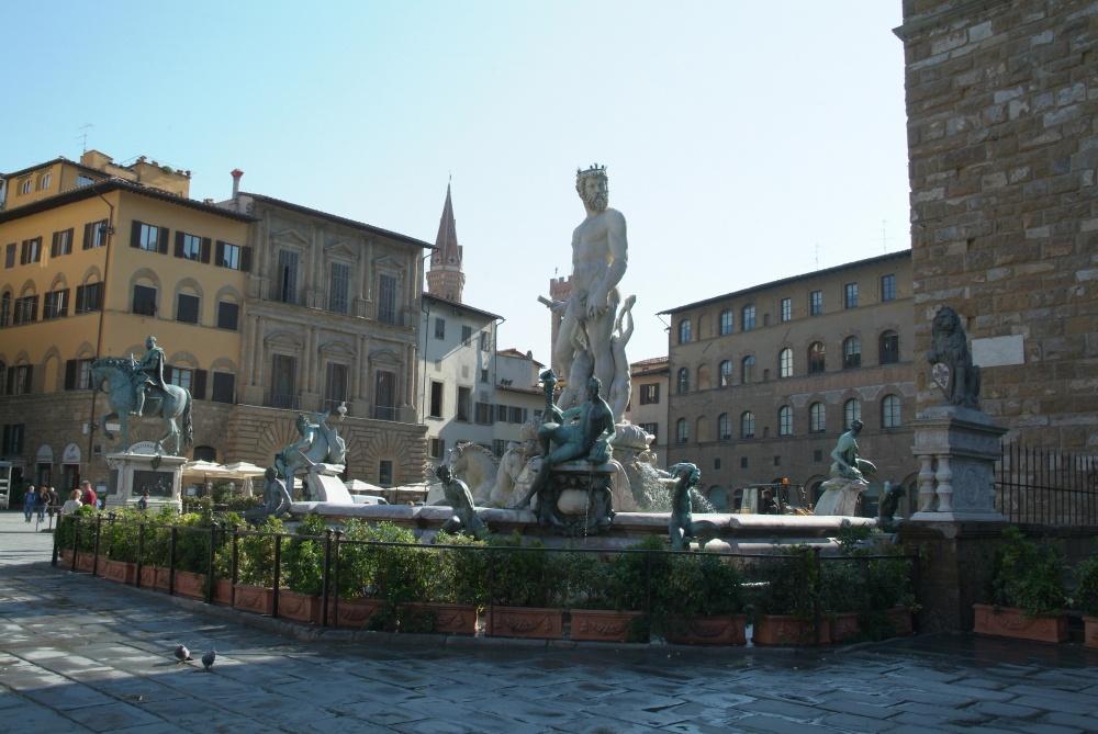 wedding ceremony in piazza della signoria in florence