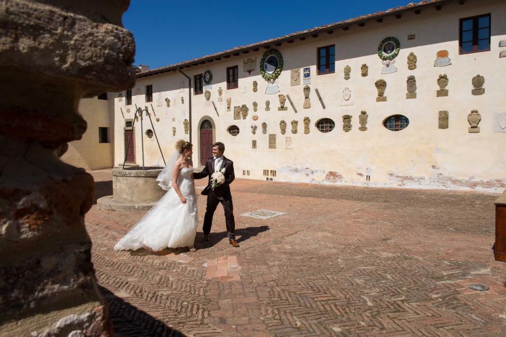 wedding civil ceremony in Lari