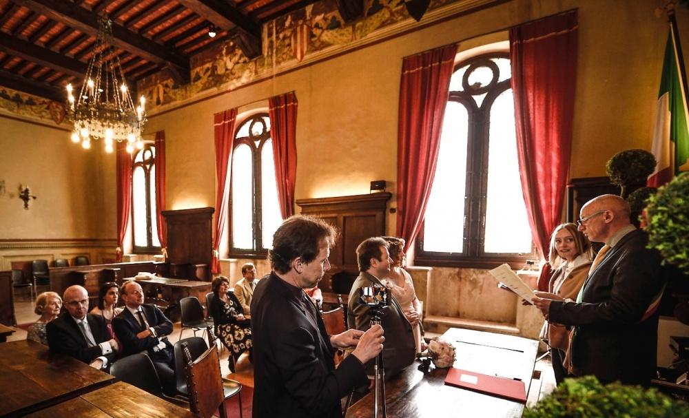 wedding civil ceremony in pienza