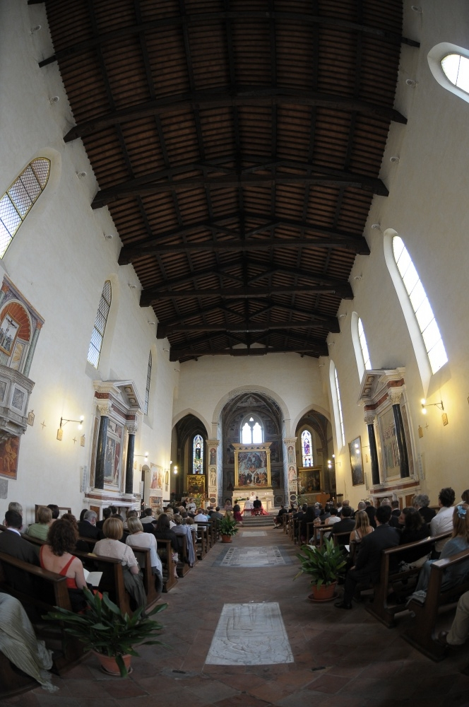 wedding catholic ceremony in san gimignano