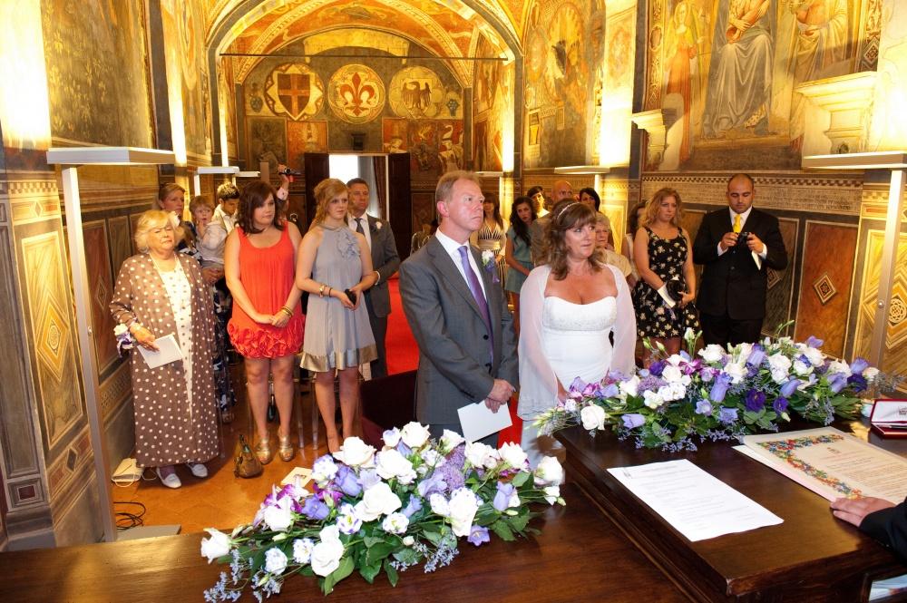 wedding ceremony in san miniato townhall