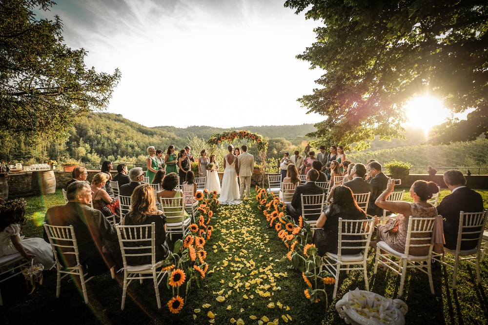 wedding farmhouse for symbolic ceremony in siena