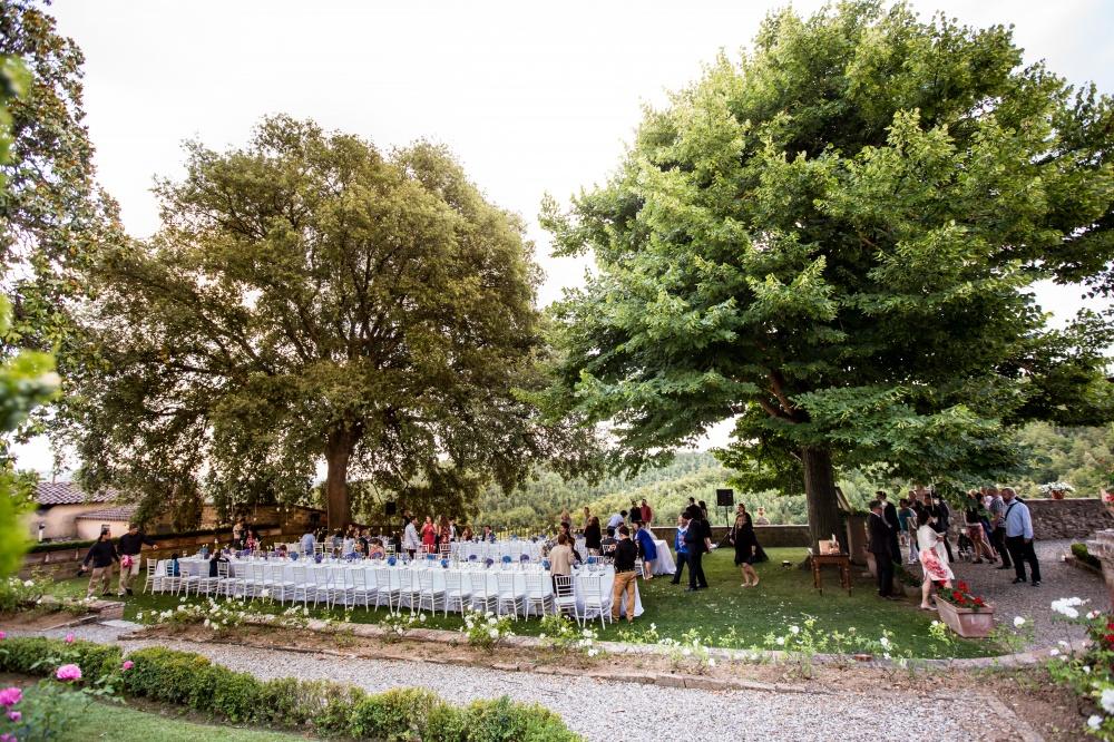 wedding farmhouse with garden in siena