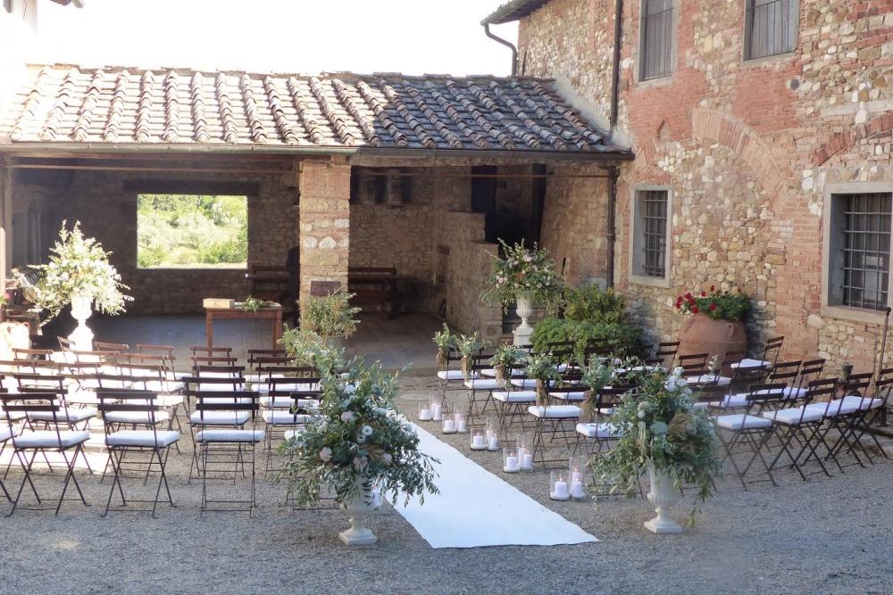wedding ceremony in tuscany