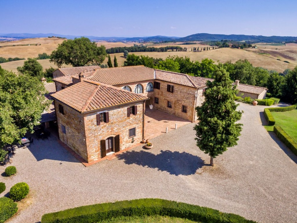 wedding villa in tuscany countryside