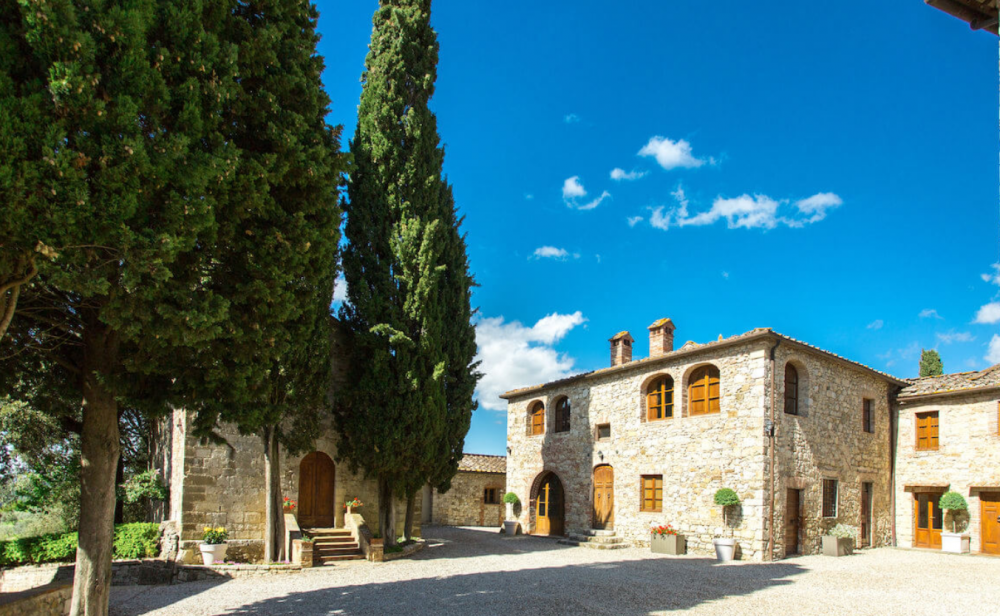 wedding castle in tuscany countryside