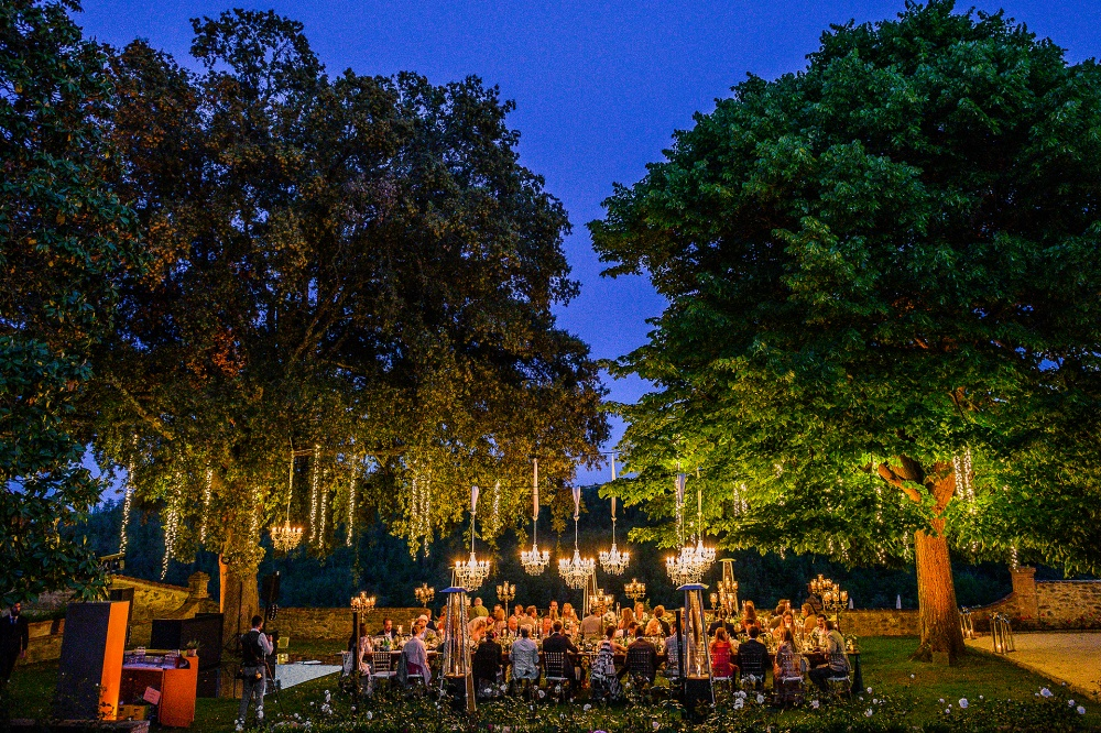 wedding with chandeliers in tuscany countryside