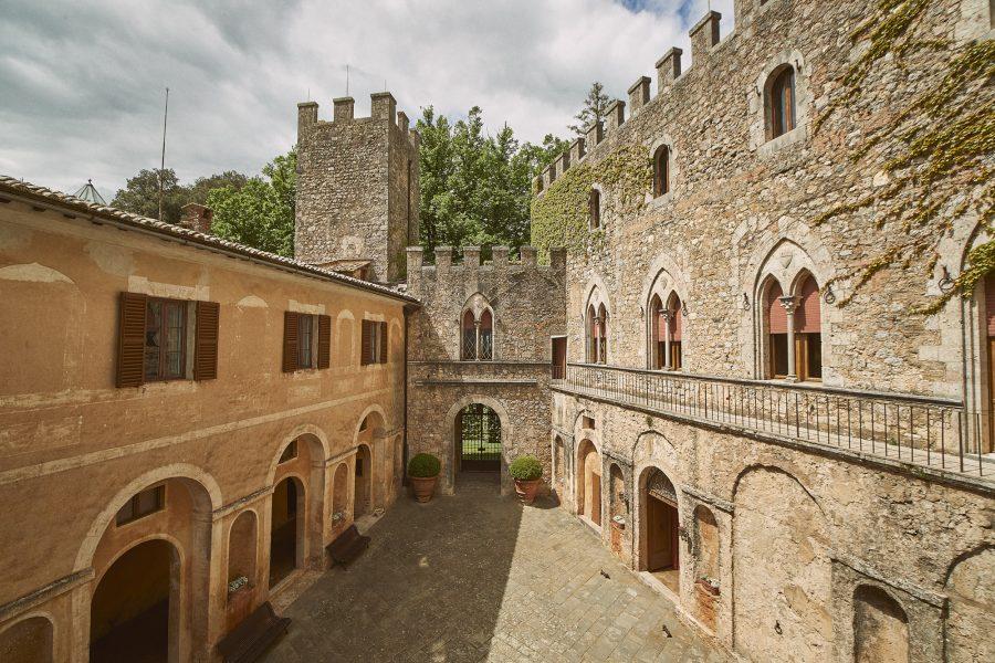 brick walls in a castle for luxury weddings in siena