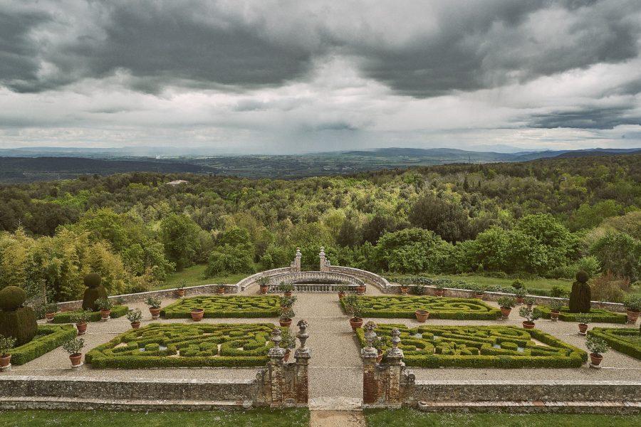 italian garden view in a castle for luxury weddings in siena