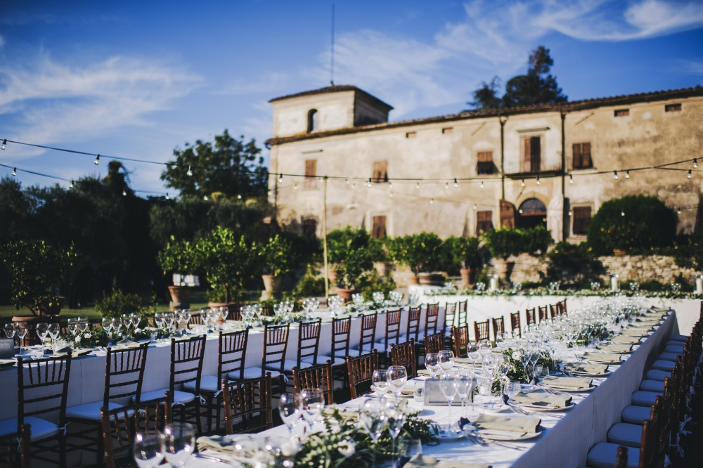 wedding dinner in a rustic villa in florence