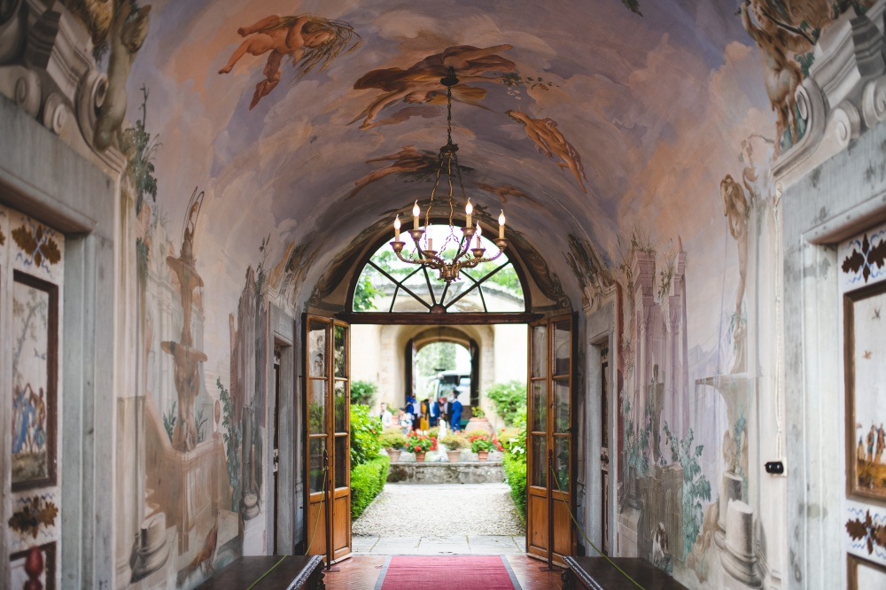 wedding rustic villa with frescoes in florence