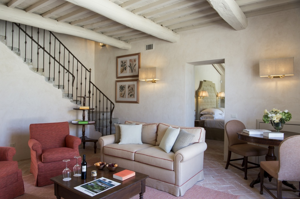 living room in a wedding tuscan farmhouse